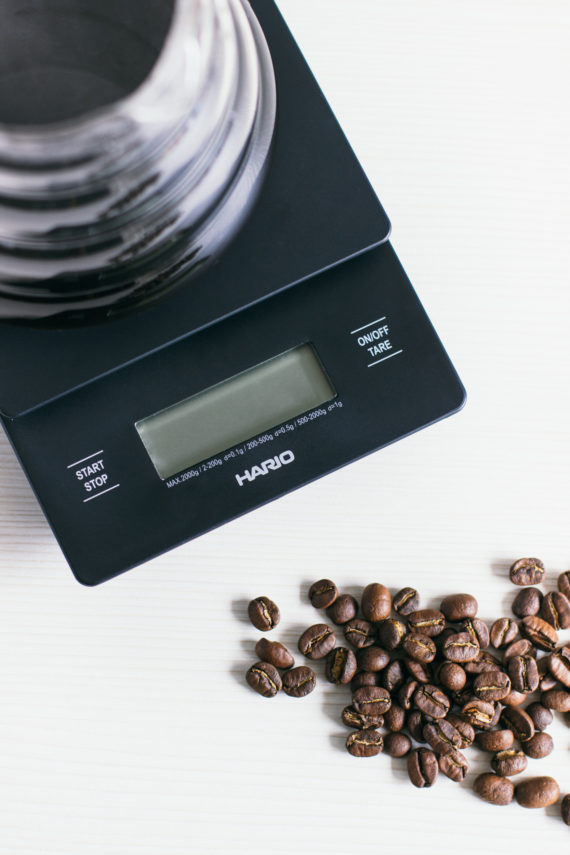 vesy_hario_coffee_drip_scale